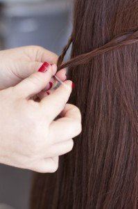 tutoriel coiffure tressee en demi queue
