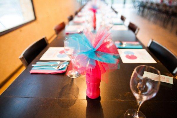 decoration table mariage bleu et rose