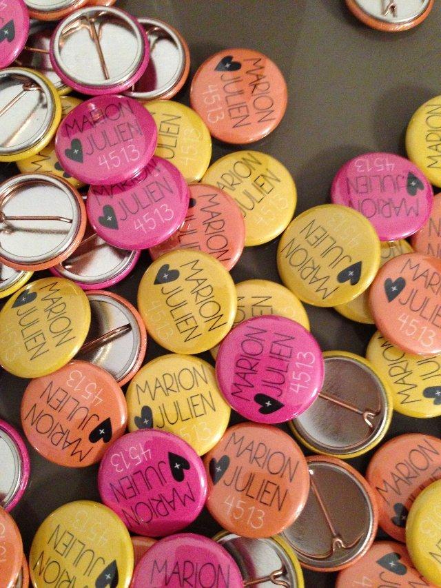 invitations mariage couleur cocottes papier badges confiture sachets de graines