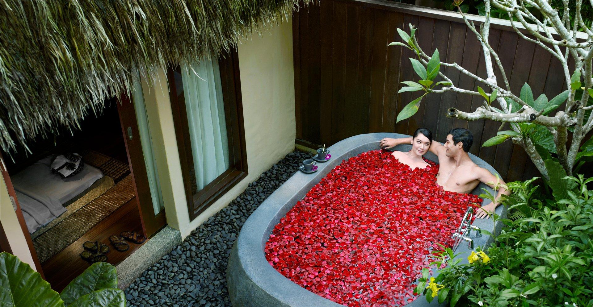 Mes 5 h tels pr f r s par tempting places with a - Petale de rose bain ...