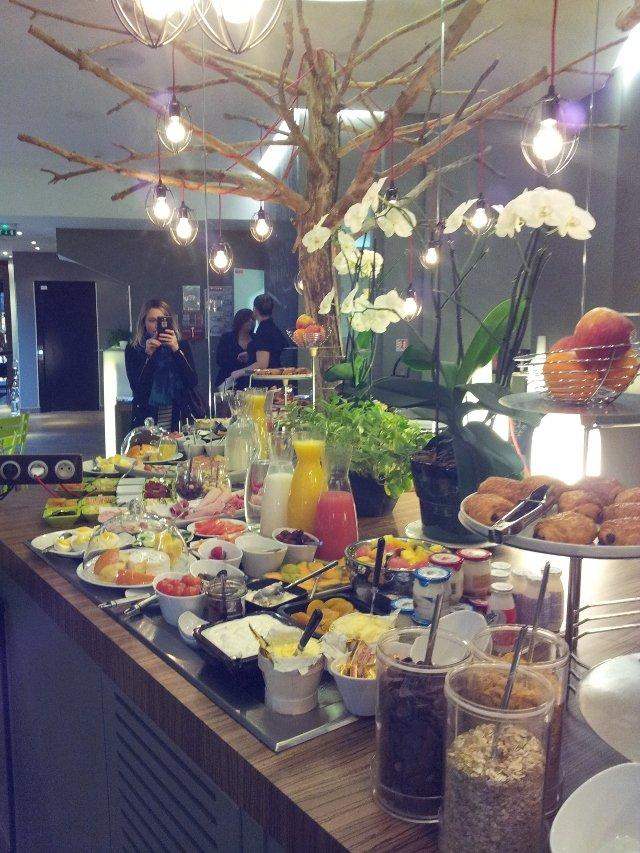 hotel-legend-petit-dejeuner
