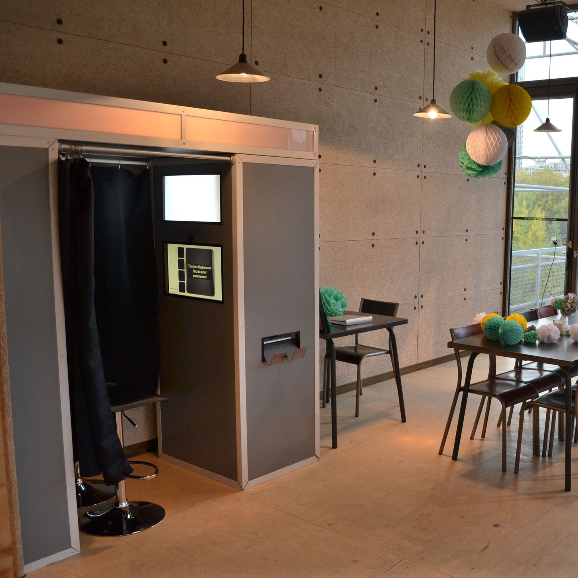cabine de mariage peinture. Black Bedroom Furniture Sets. Home Design Ideas