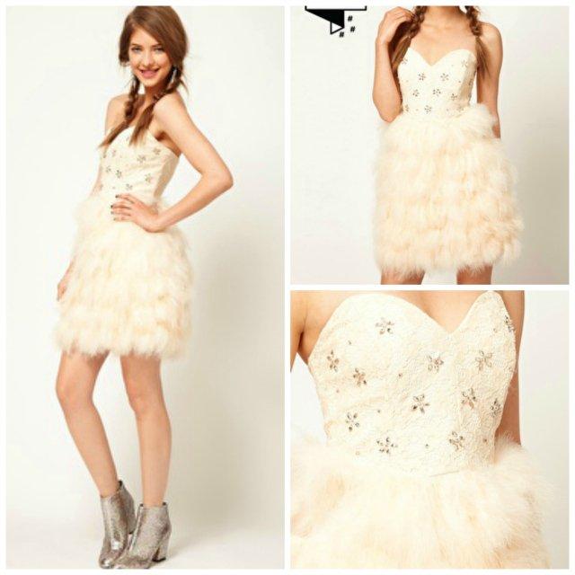 Les soldes! une jolie robe de mariée et des robes multicolores!