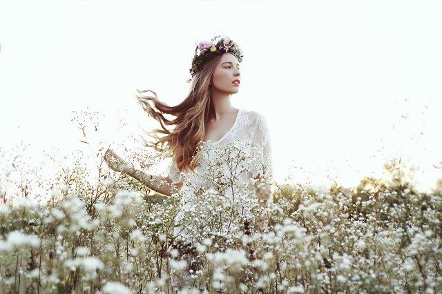 Des robes de mariées poétiques chic, Caroline Takvorian
