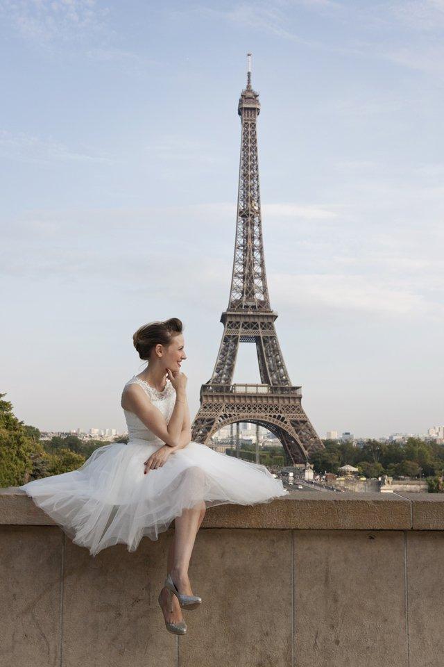 Séance day after mariage Tour Eiffel / photographe Djamel photography / + sur withalovelikethat.fr