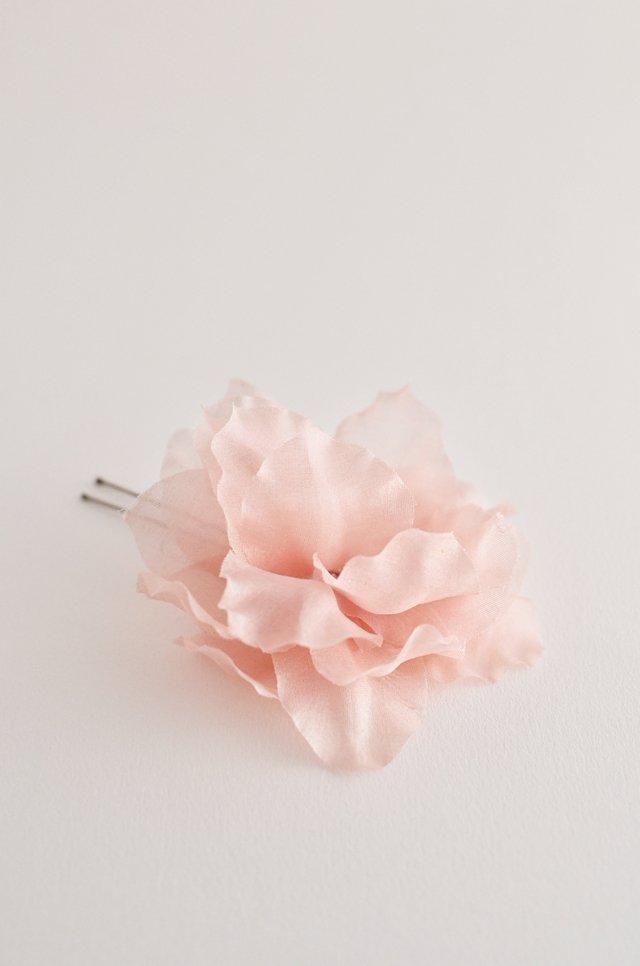 fleur en soie cheveux