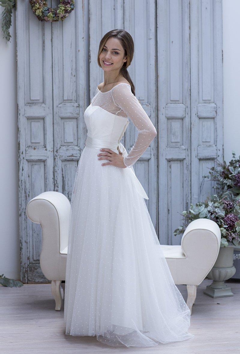 Natalia robe de mariee marie laporte plumetis with a for Boutiques de robe de mariage kansas city