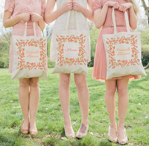 Des sacs en tissus imprimer par la belette rose goodies with a love like that blog - Imprimer photo sur tissu ...