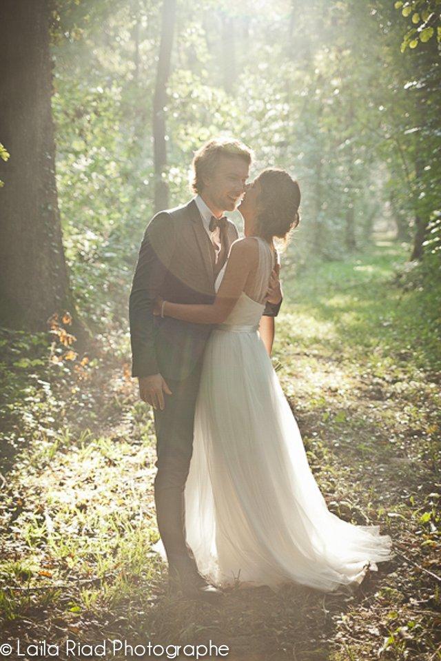 mariage dans les bois sous la pluie