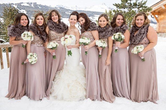 Un mariage à la montagne, en plein hiver, sous la neige .... ça fait ...