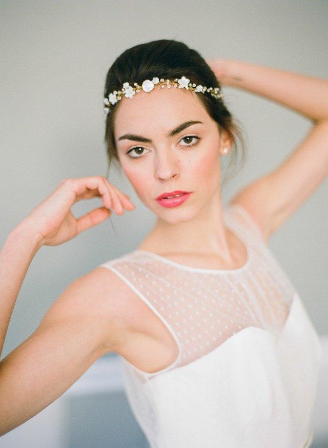 headband fleurs mariage / accessoire cheveux / Orchidée de soie / + d'infos sur withalovelikethat.fr