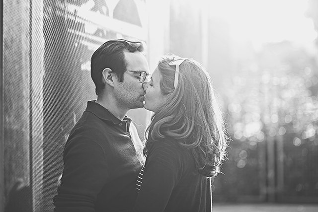 Séance engagement - love session au golf / photographe nathalie Roux + sur withalovelikethat.fr
