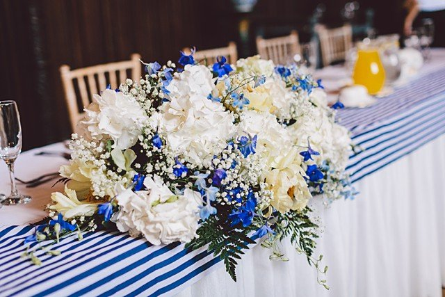 mariage-bord-de-mer-theme-nautique-rayures-gather-and-tides-nautical-wedding (28)