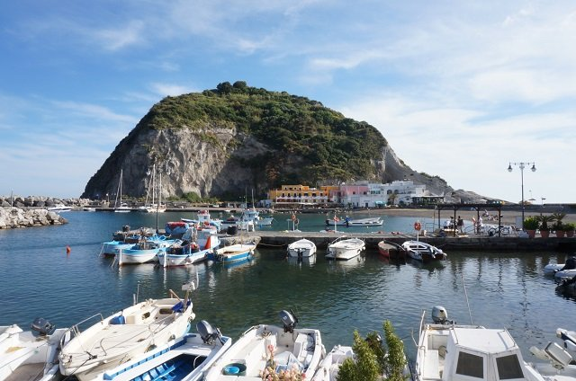 sant-angelo-ischia-italia-idee-week-end-amoureux