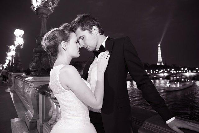 les like that à Paris / amoureux couple marié séance photo / Photographe Djamel Photography/ + sur withalovelikethat.fr