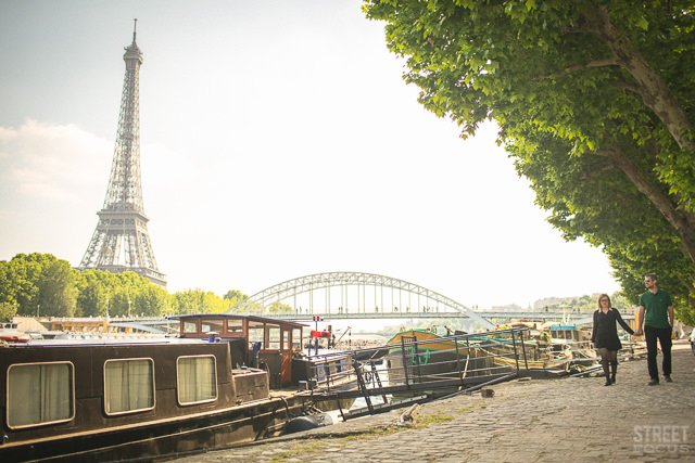 Séance engagement Tour Eiffel / photographe Street focus / publié sur withalovelikethat.fr