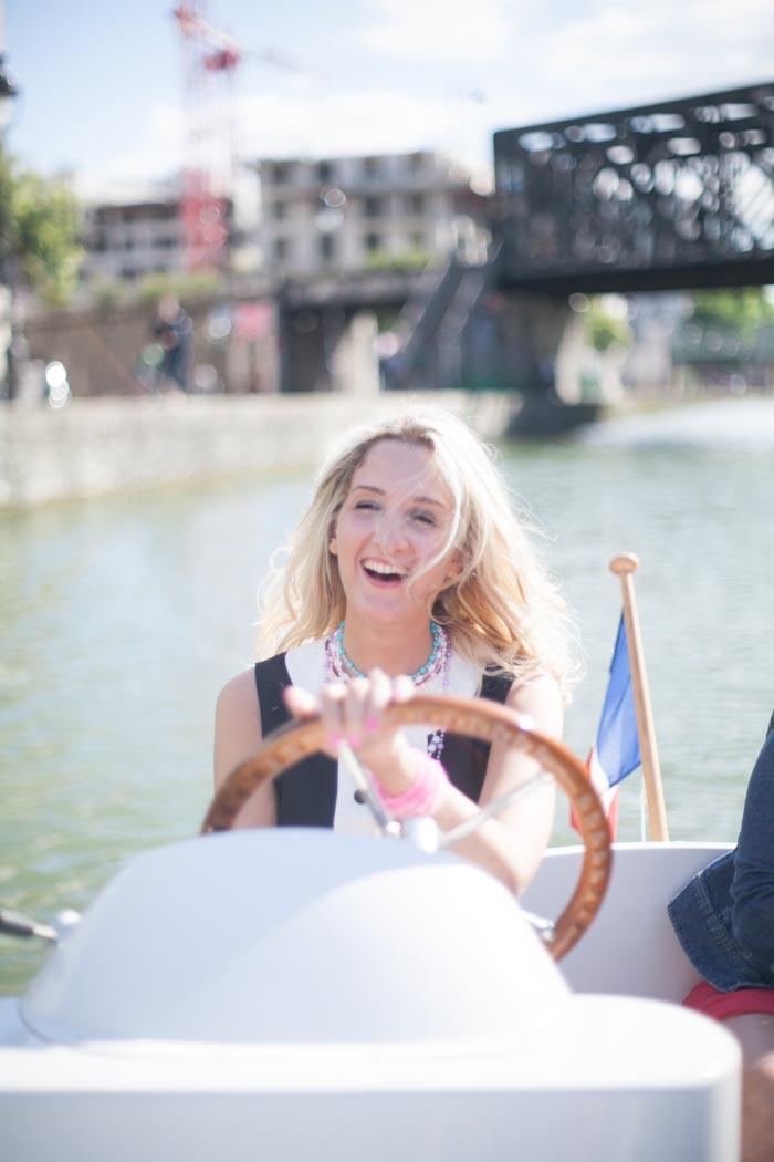 EVJF à Paris avec une séance photo, un tour en bateau, du nail art / photographe : ALex de loove photography / + sur withalovelikethat.fr
