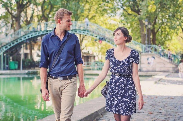 Séance engagement au canal St Martin Paris / photographe Pauline Franque / publié sur le blog withalovelikethat.fr