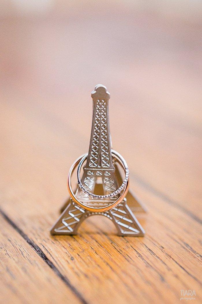 Mariage chic décontracté à Paris / photographe Tiara photographie / publié sur le blog withalovelikethat.fr