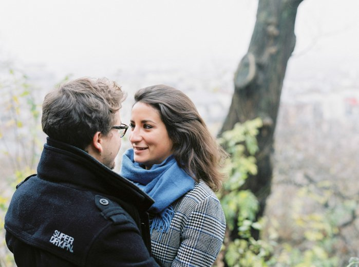 Séance photo en amoureux à Montmartre / photographe something wedding/ / publié sur withalovelikethat.fr