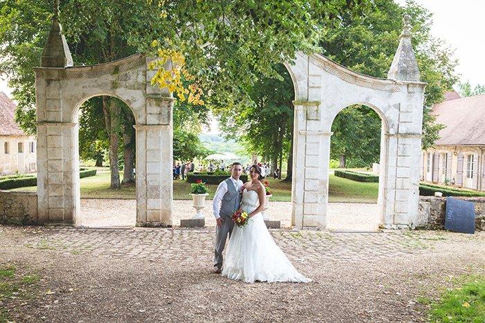 Mariage multicolore Bergerac / photographe mya photography / publié sur withalovelikethat.fr