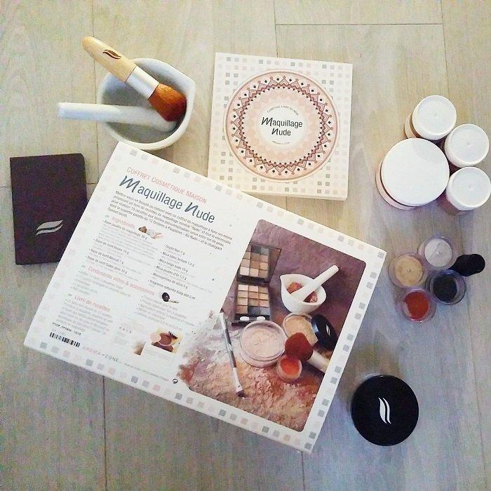 http://www.aroma-zone.com/info/fiche-technique/coffret-cosmetique-maison-maquillage-nude-2014-aroma-zone