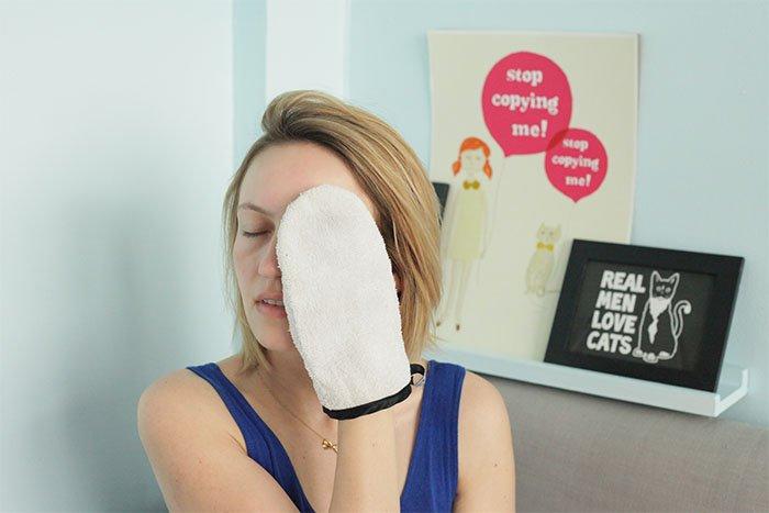 gant nettoyant visage publié par withalovelikethat.fr