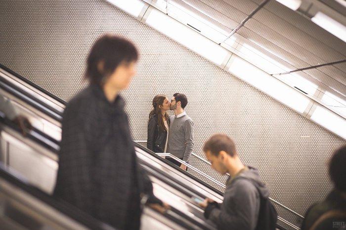 Séance engagement gare de Lyon / photographe streetfocus / publié sur withalovelikethat.fr