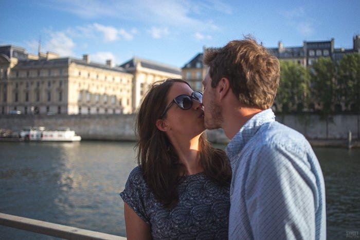 Séance engagement Paris Plage / photographe Streetfocus / publié sur withalovelikethat.fr