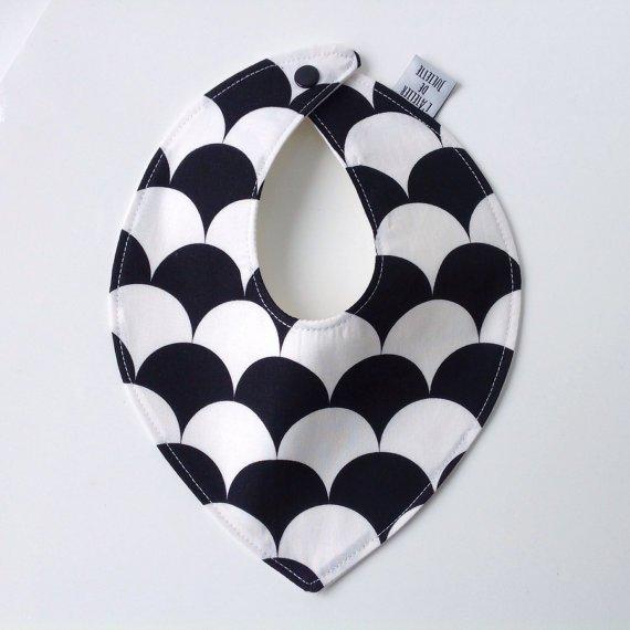 déco noir et blanc bébé / plus sur wihtalovelikethat.fr