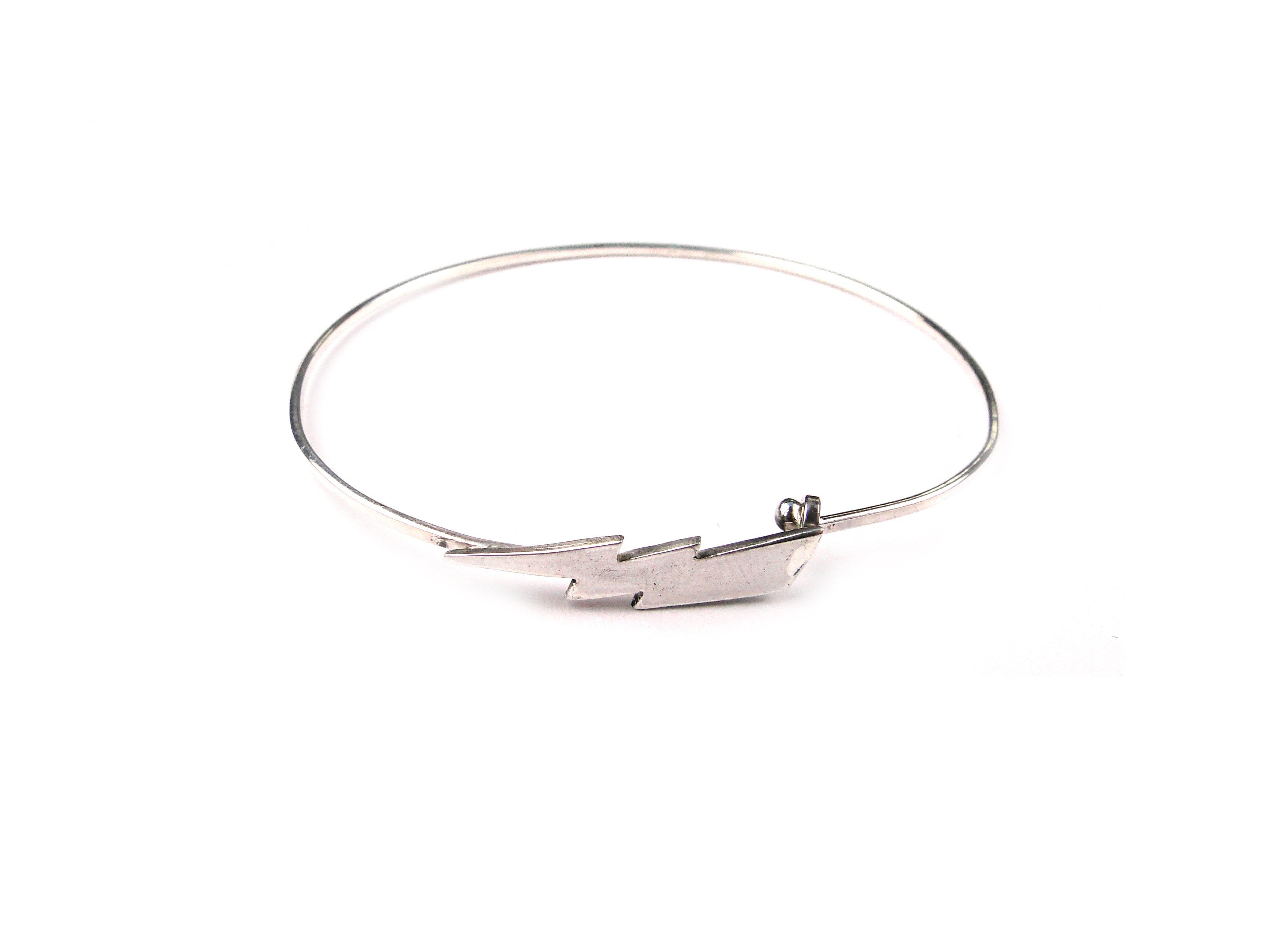 bracelet coup de foudre / gilbert gilbert sur la belle et le barbu