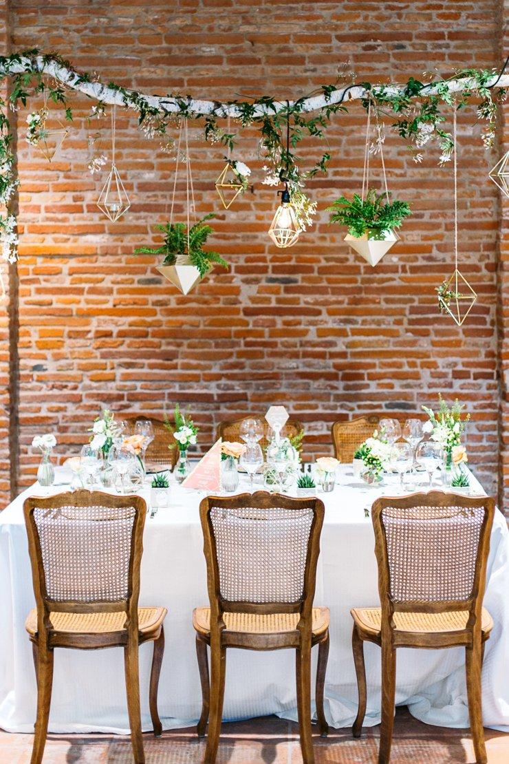 Inspration mariage géométrique corail / photographe studio huit / wedding planner atelier du bonheur / publié sur withalovelikethat.fr