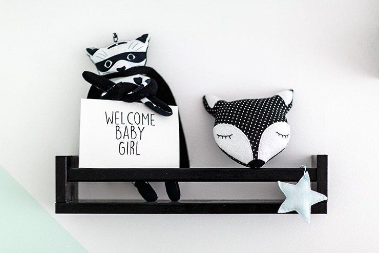 Chambre bébé noir blanc et mint de withalovelikethat.fr