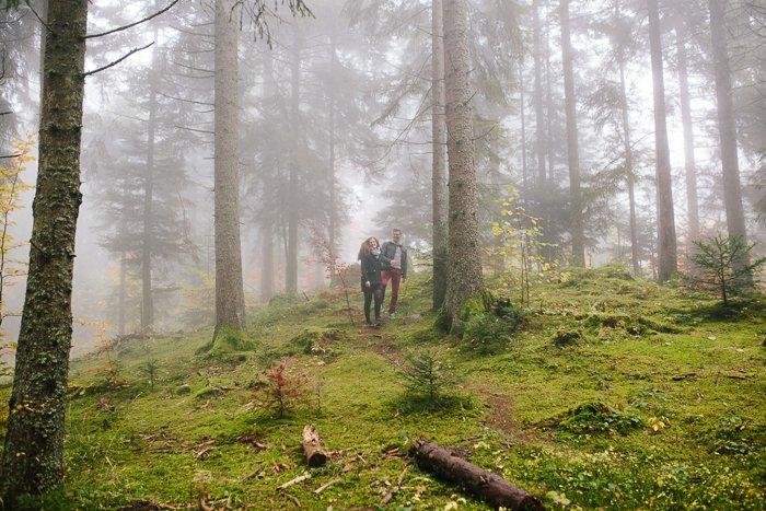 séance engagement forêt brouillard / photographe yoann jacquier / publié sur withalovelikethat.fr