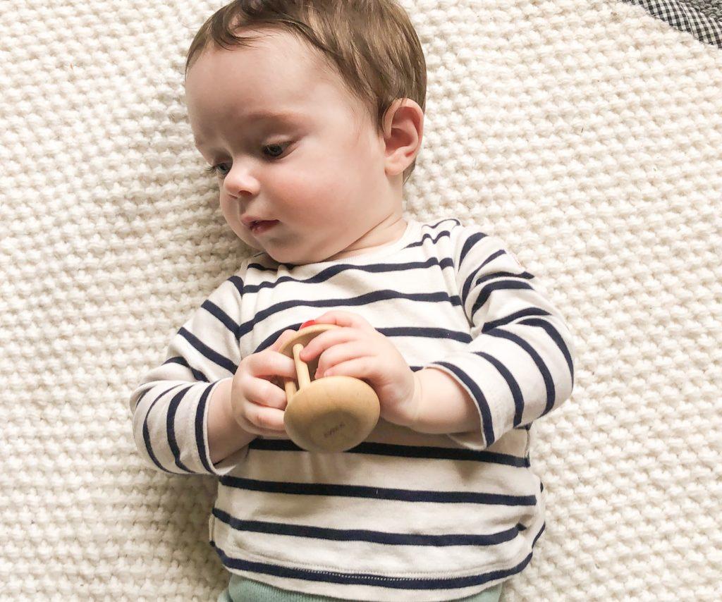 jouets 0 à 6 mois : conseillés par des psychologues