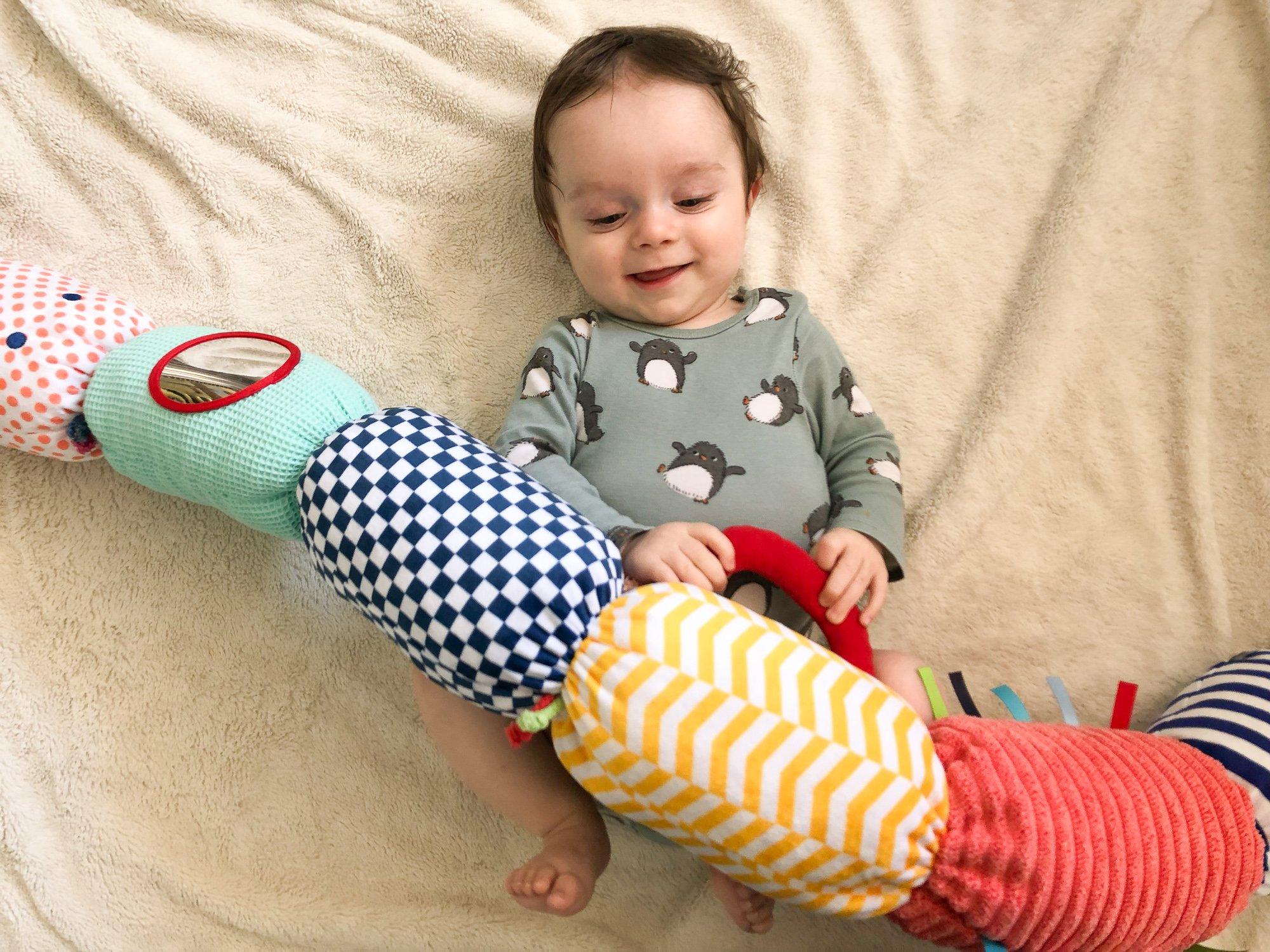 jouets adaptés enfants 0 à 6 mois : sélectionnés par des psychologues