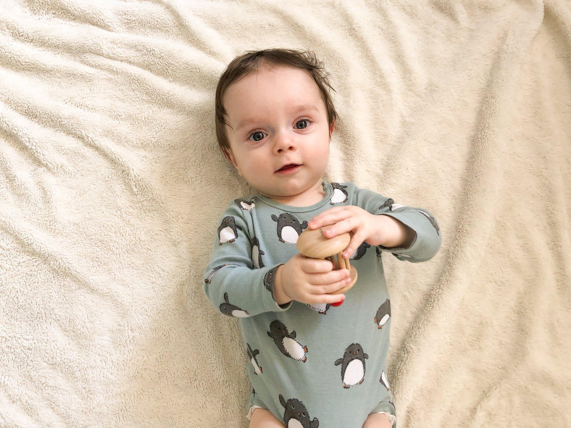 jouets pour les bébés de 0 à 6 mois - sélectionnés par des psychologues