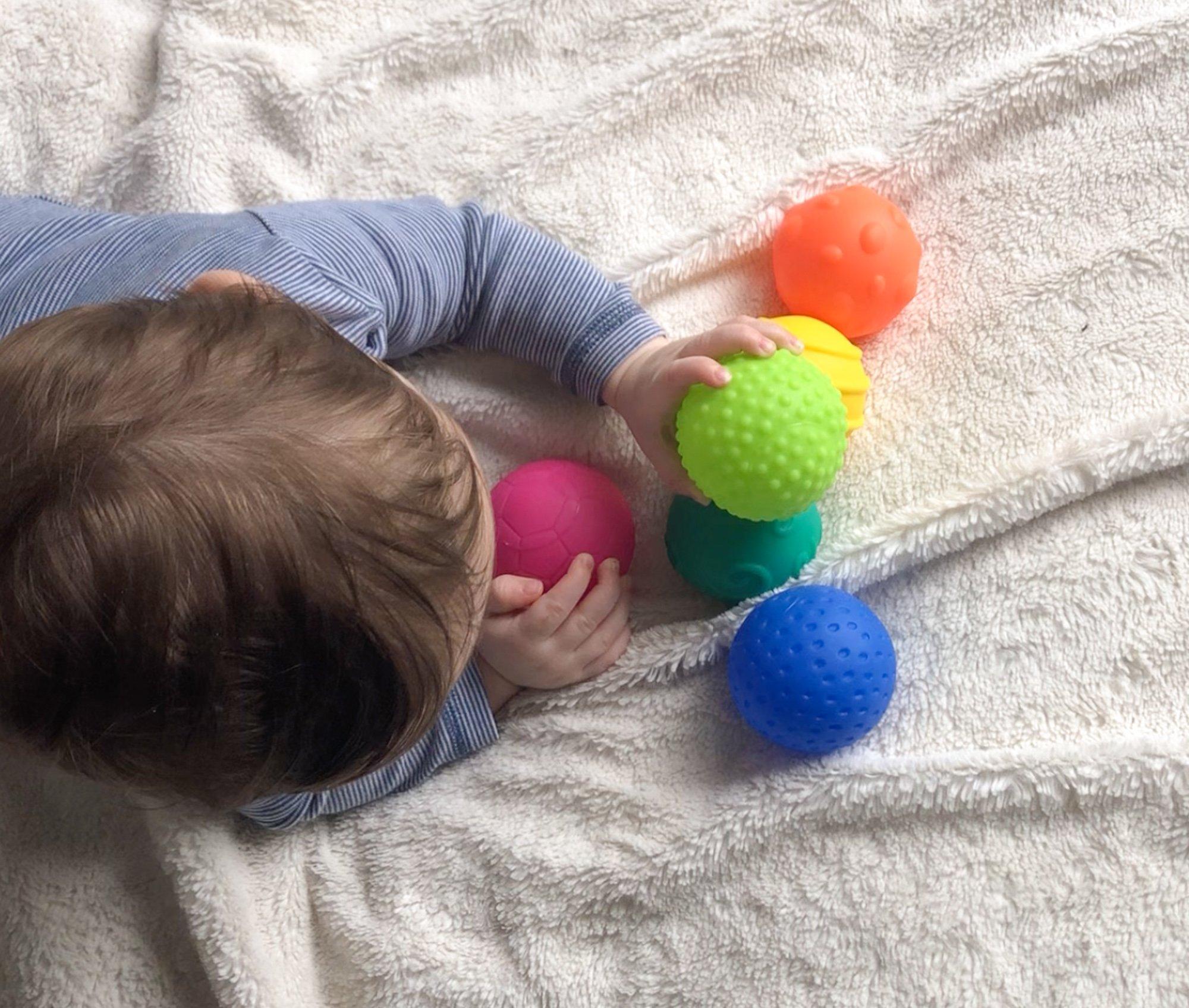 jouets bébé 0 à 6 mois sélectionnés par des psychologues